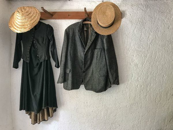 grusskarte-kleiderpaar